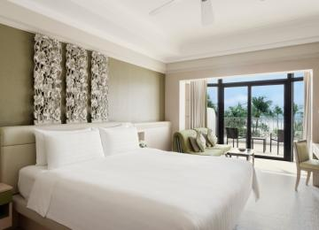 1-Night Stay with Breakfast